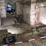 Vyčištěná pohřební komora se sarkofágem (c) Český egyptologický ústav FF UK