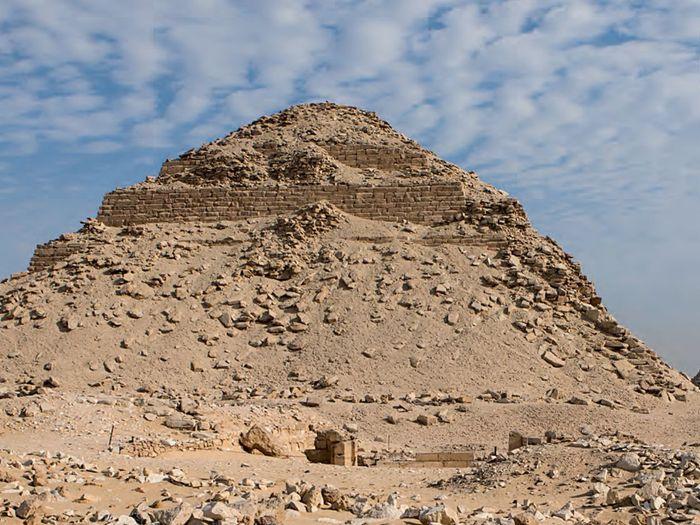 Neferirkareova pyramida v Abúsíru; Foto: ČEgÚ: Martin Frouz