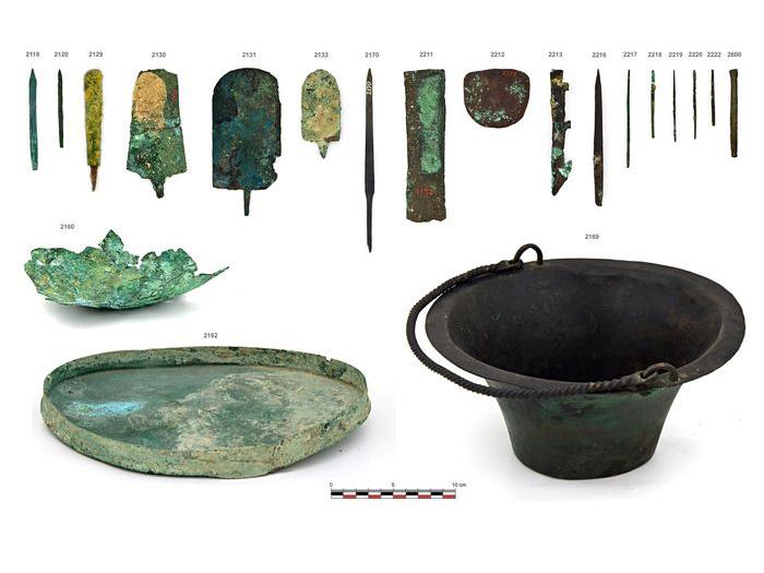 Analyzovaný soubor artefaktů z Egyptského muzea Lipské Univerzity (fotografie Jiří Kmošek © Filozofická fakulta, Univerzita Karlova, Český egyptologický ústav).