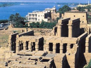 Celkový pohled na architektonický komplex v Luxoru (Ipetresejet), který vystavěl Amenhotep, syn Hapuův, pro faraona 18. dynastie Amenhotepa III.