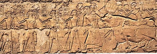 Velké nádvoří v Luxoru - detail výzdoby