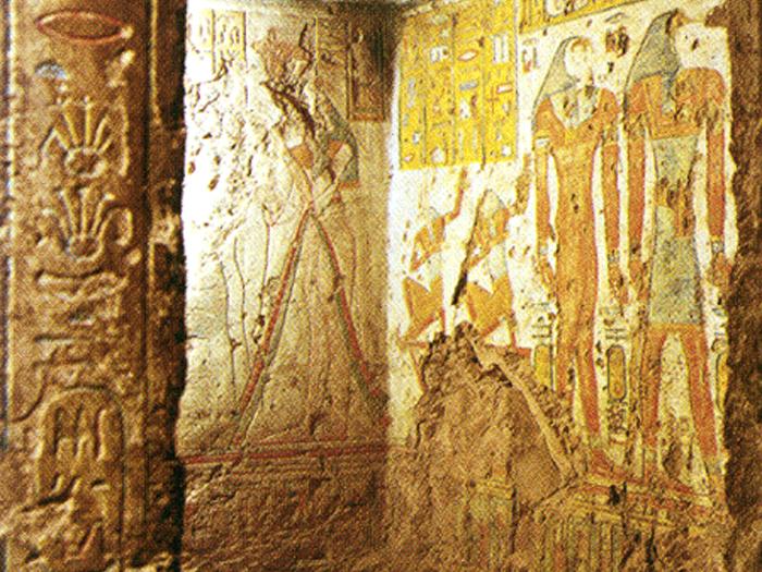 Pohled do nitra hrobky Tyti QV 52
