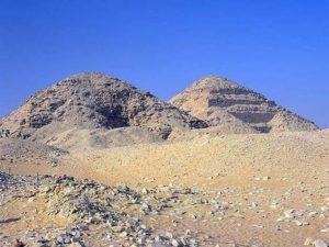 Pyramidy v Abúsíru
