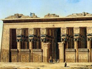Průčelí chrámu bohyně Hathor v Dendeře kolem roku 1800