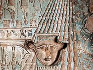 Chrám bohyně Hathor - detail interiéru