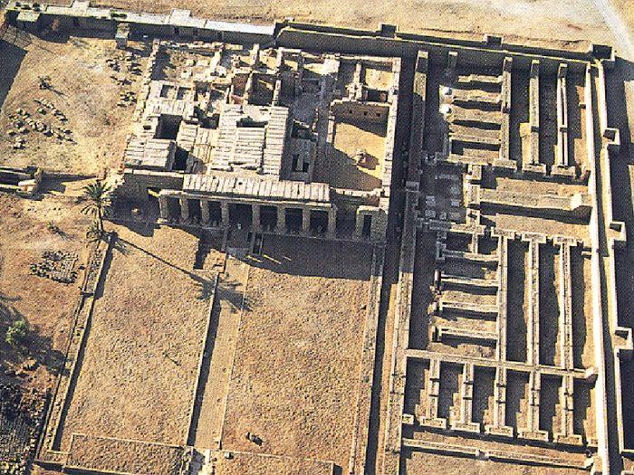 Chrám Sethi I. v Kurně - detail (letecký pohled)