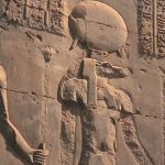 Kom Ombo (chrám, ale i vesnice) bylo pod ochranou krokodýlího boha Sobeka.