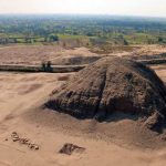 V blízkosti pyramidy dnes vede kanál, který byl vykopán po roce 1820