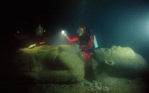 Herakleion - vyzdvihování sochy; Photo: Christoph Gerigk