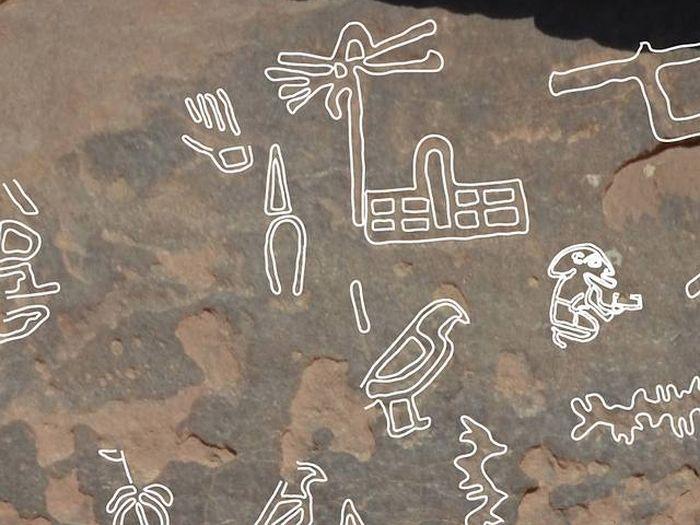 Egyptské písmo (hieroglyfy) objevené v Sinajské poušti je staré 5000 let Zdroj:livescience.com