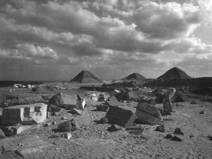 Veserkafův sluneční chrám - rozvaliny