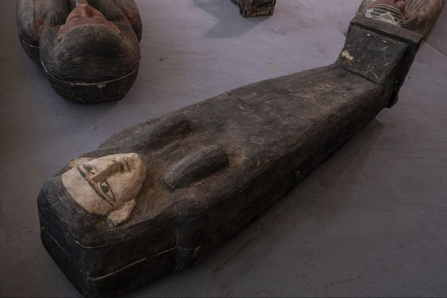 Barevné zapečetěné sarkofágy; Foto: Nariman El-Mofty, ČTK/AP