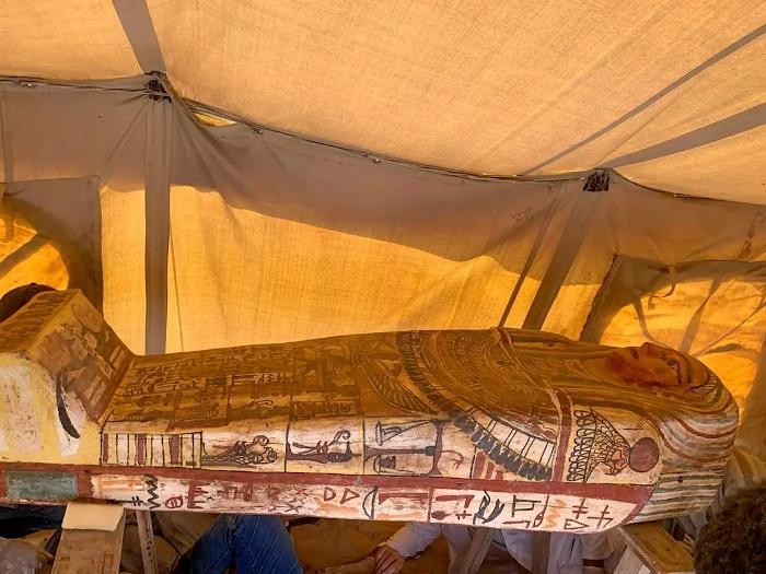 Zdobené rakve staré více než 2500 let