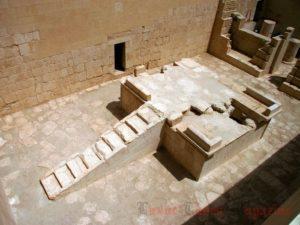 Komplex Slunečního kultu (Foto: Egyptsko-polská archeologická a konzervační mise chrámu Hatšepsut v Dér el-Bahrí)