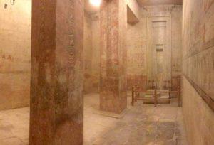 Pohled na nově osvětlenou obětní kapli Autor: Mohamed Megahed / Český egyptologický ústav FF UK