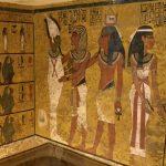 Jedinou kompletně zdobenou místností v hrobce je pohřební komora.