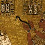 Malby na stěnách byly dokončovány ve spěchu - faraon zemřel nečekaně brzy.
