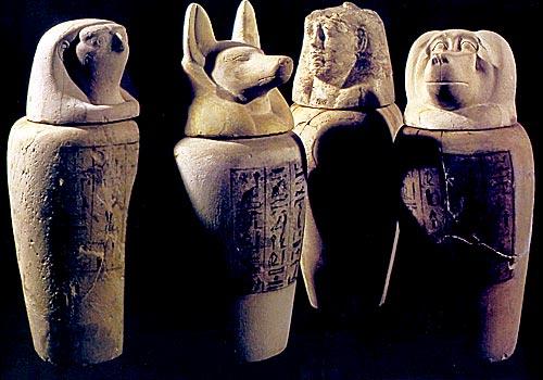 Kanopy s hlavami Horových synů