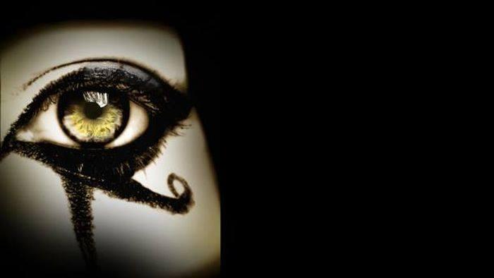 Oční make-up zabraňoval infekcím