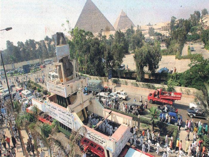 Stěhování sochy Ramesse II.
