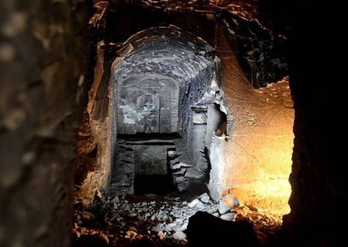 Usirova hrobka